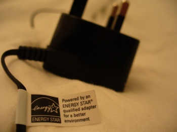 ENERGY STAR cell-phone charger